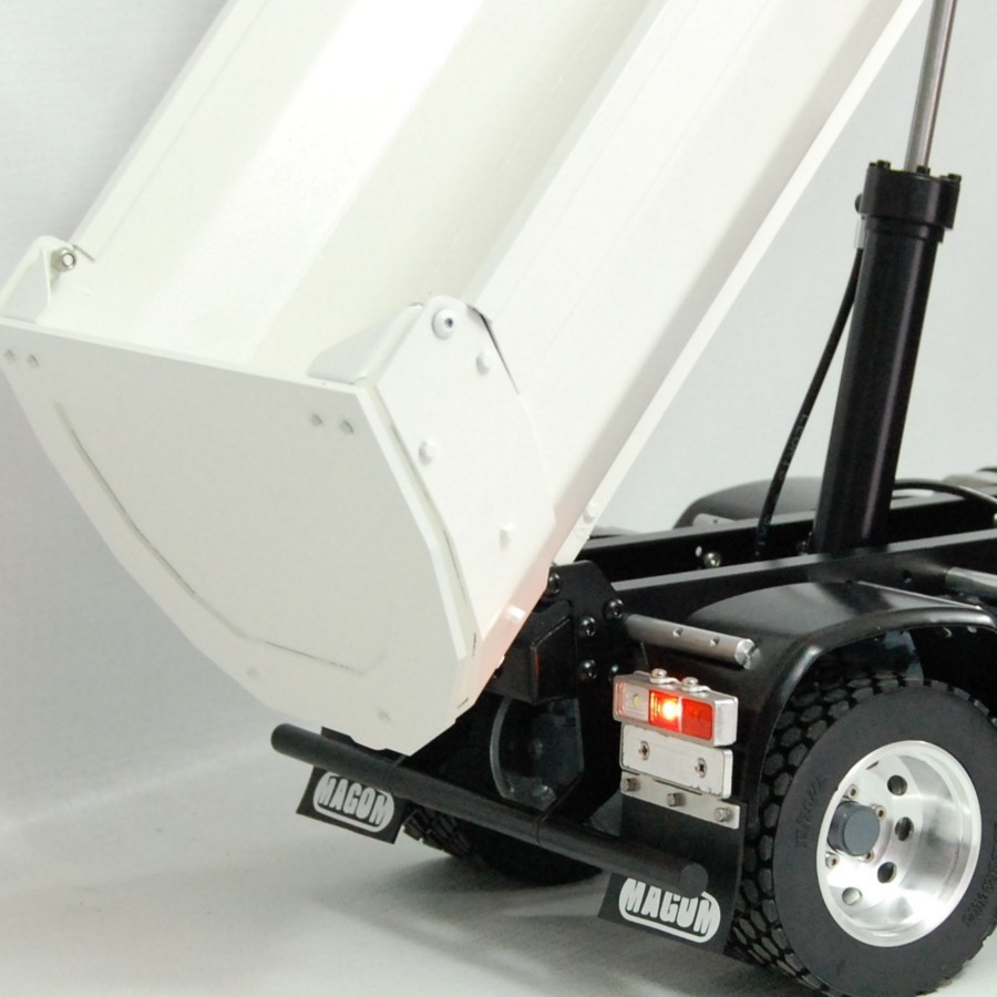 Metal cleaning bucket for L574 wheel loader