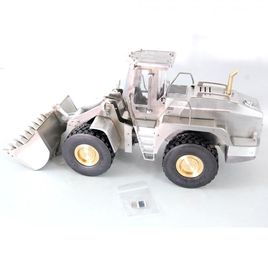Chassis for 4x4 truck - servo - 1:16 (disassembled)